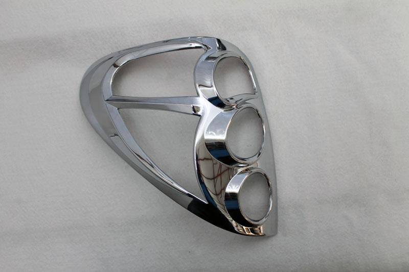 накладки на задние фонари хром mitsubishi l200